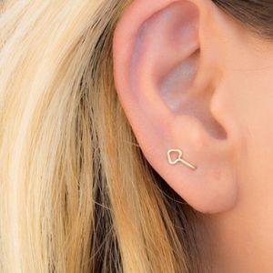 2 Hole Arrow Earrings - 2PCS